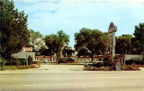 Bobs Deluxe Motel, Highland, Indiana postcard