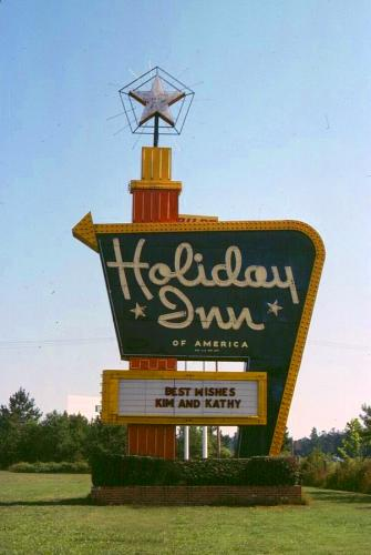 """Typical Holiday Inn """"Great Sign"""""""