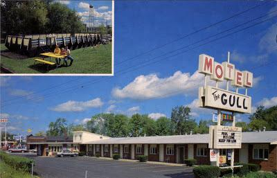Gull Motel, Huron, Ohio, 1960s postcard