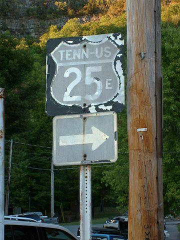 Old US-25E sign, Cumberland Gap, Tennessee