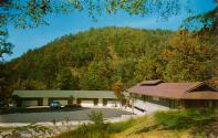 Skyland Motel, Gatlinburg, Tennessee postcard